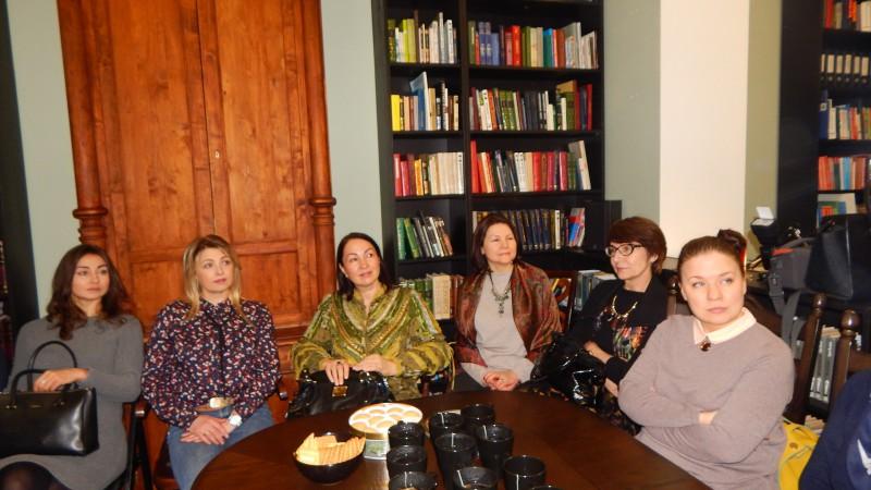 Встреча со стилистом Надеждой Корневой в библиотеке на Пионерской,4